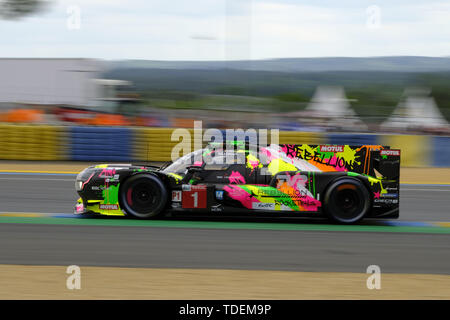 Le Mans, Sarthe, France. 15th June, 2019. Rebellion Racing Rebellion R13 Gibson rider BRUNO SENNA (BRA) in action during the 87th edition of the 24 hours of Le Mans the last round of the FIA World Endurance Championship at the Sarthe circuit at Le Mans - France Credit: Pierre Stevenin/ZUMA Wire/Alamy Live News - Stock Photo