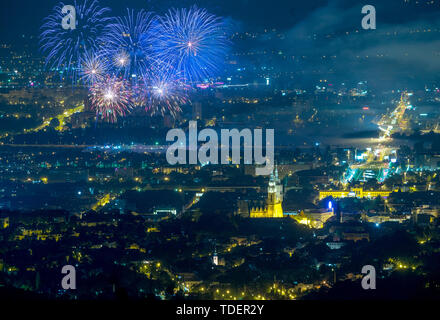 Zagreb. 14th June, 2019. Photo taken on June 14, 2019 shows fireworks during the 19th International Festival of Fireworks in Zagreb, Croatia. Credit: Igor Kralj/Xinhua/Alamy Live News - Stock Photo