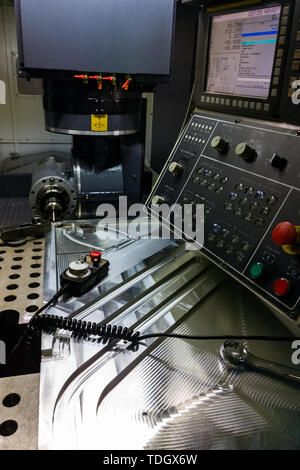 Measuring process with ruby touch probe on large CNC milling