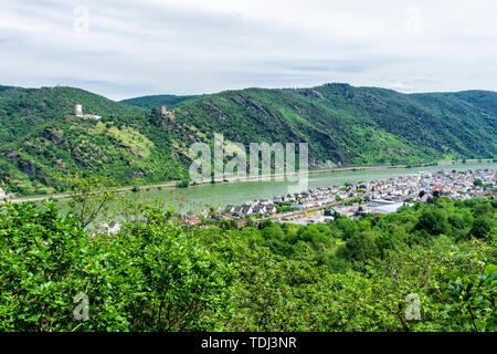 'Enemy Brothers' in the Upper Middle Rhine Valley and Bad Salzig: Sterrenberg Castle and Liebenstein Castle - Stock Photo