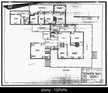Photocopy of drawing (this photograph is an 8 x 10 copy of an 8 x 10 negative; microfilm of 1935 architectural drawing located at NARA) QUARTERS M FLOOR PLAN, SHEET 1 OF 1 - U.S. Naval Air Station, Captain's Quarters, Q-8 North Avenue, Pensacola, Escambia County, FL - Stock Photo
