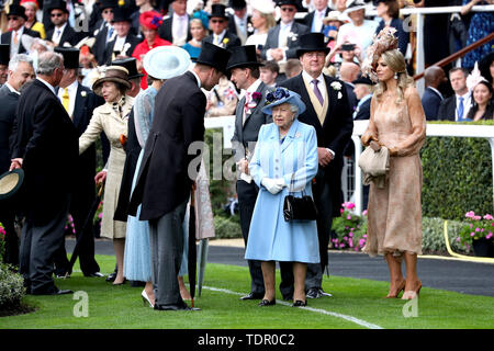 The Princess Royal, Anne (fourth left), The Duchess of Cambridge, Duke of Cambridge, Queen Elizabeth II, King Willem-Alexander of the Netherlands and Queen Maxima of the Netherlands attending day one of Royal Ascot at Ascot Racecourse. - Stock Photo