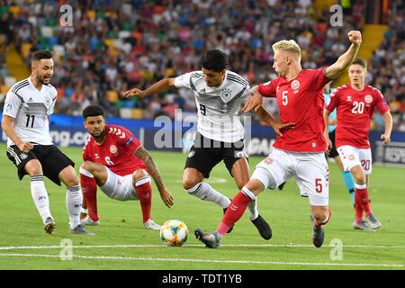 Mahmoud DAHOUD (GER), Action, duels versus Victor NELSSON (DEN), Li: Philipp BILLING (DEN), Marco RICHTER (GER). Germany (GER) -Daenemark (DEN) 3-1, on 17.06.2019 Stadio Friuli Udine. Football U-21, UEFA Under21 European Championship in Italy / SanMarino from 16.-30.06.2019. | Usage worldwide - Stock Photo