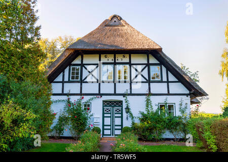 thatched-roof timber-framed house  Sieseby at Schlei, Germany, Schleswig-Holstein - Stock Photo