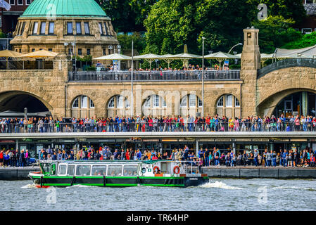 tourists at the St. Pauli Piers in Hamburg, Germany, Hamburg - Stock Photo