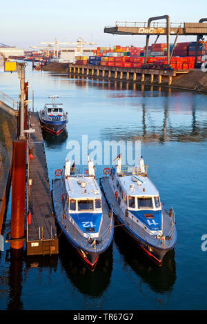 canal Vinckekanal with container cranes, Europe's largest inland harbour, Germany, North Rhine-Westphalia, Ruhr Area, Duisburg - Stock Photo