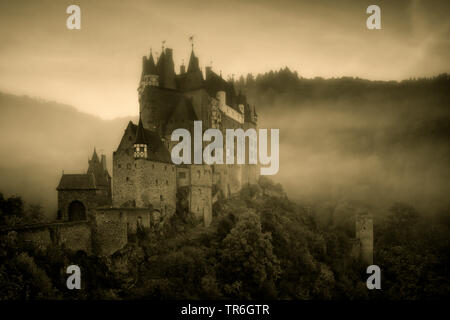 Eltz Castle on a cold morning in october, Germany, Rhineland-Palatinate, Wierschem - Stock Photo