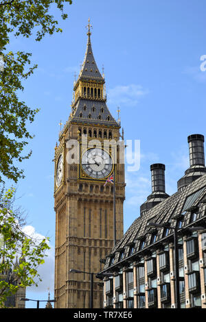 The name Big Ben refers to the heaviest of the five bells of the famous clock tower at the Palace of Westminster in London at 13.5 t. - Stock Photo