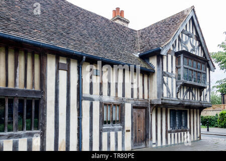 The timber-framed Hall House, known locally as the 'Ancient House', a 15th-Century Tudor dwelling in Church Lane, Walthamstow Village, London, UK - Stock Photo