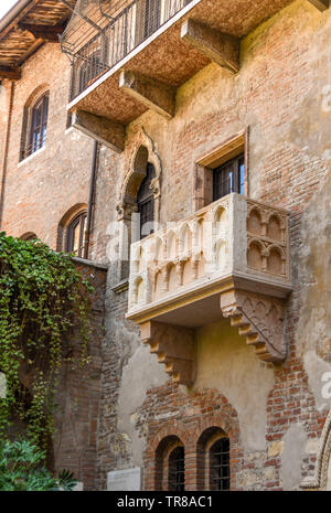 VERONA, ITALY - SEPTEMBER 2018: Juiet's balcony on the House of Juliet or 'La Casa di Giulietta', a major tourist attraction in Verona. - Stock Photo