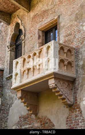 VERONA, ITALY - SEPTEMBER 2018: Juiet's balcony on the House of Juliet or 'La Casa di Giulietta', a major tourist attraction in Verona. - Stock Photo