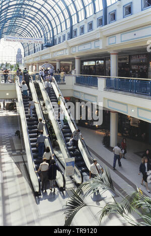Royal Priors Shopping Centre, Leamington Spa, Warwickshire, England. UK. Circa 1980s. - Stock Photo