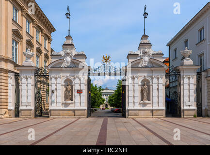 Main Gate to the Warsaw University from Krakowskie Przedmiescie street in city of Warsaw, Poland. - Stock Photo