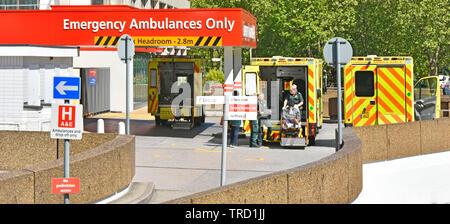 Hospital Signs Stock Photo 122441597 Alamy