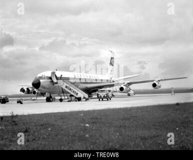 Lufthansa Boeing 707 on airport Munich Riem, aerial photo from 25.06.1963, Germany, Bavaria, Muenchen - Stock Photo