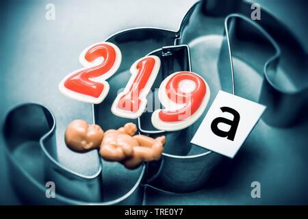 Symbolbild fuer den Paragraph § 219a - Werbung fuer den Abbruch der Schwangerschaft | Symbol for paragraph § 219a of the German criminal code - Advert - Stock Photo