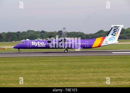 Flybe Dash 8 Q400, G-PRPO, taking off at Manchester Airport - Stock Photo