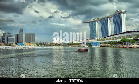 View of the Marina Bay Sands Resort und the Casino in Singapore, Singapore - Stock Photo