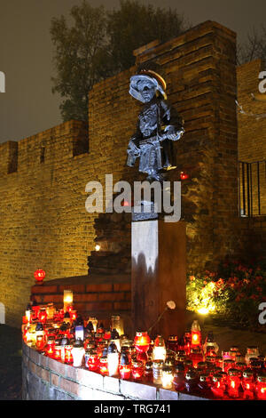 Monument to Little Insurrectionist (Maly Powstaniec) in Warsaw. Poland - Stock Photo