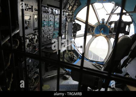 Cabine de pilotage. Antonov An-22. Musée des techniques de Spire. Technik Museum Speyer. Allemagne. - Stock Photo