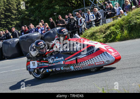 Douglas, Isle Of Man. 06th June, 2019. Estelle Leblond/Frank Claeys (11) in action in the Locate.im Sidecar class Race 2 at the 2019 Isle of Man TT (Tourist Trophy) Races, Fuelled by Monster Energy DOUGLAS, ISLE OF MAN - June 06. Photo by David Horn. Credit: PRiME Media Images/Alamy Live News - Stock Photo