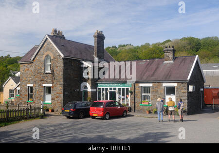 The former railway station - now the 'Buffing Billy' café - in Great Torrington, Devon, England - Stock Photo