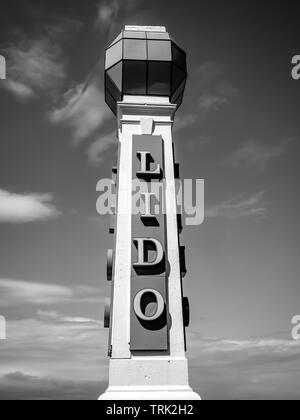 Cliftonville Lido and Clifton Baths in Margate in Black and White - Stock Photo