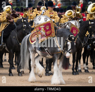 Horse Guards Parade. 8th June 2019. Trooping the Colour, the Queen's Birthday Parade, London, UK. Credit: Malcolm Park/Alamy - Stock Photo
