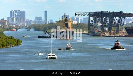 Fort Lauderdale, Florida - 16th April 2019:Busy waterway of the port of Fort Lauderdale - Stock Photo