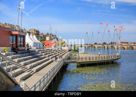 France, Saone et Loire, Macon, Saone river quay, the Esplanade Lamartine, place of concerts during the summer // France, Saône-et-Loire (71), Mâcon, q - Stock Photo