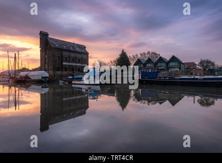 Oyster Bay House on Faversham Creek in Kent at sunrise. - Stock Photo