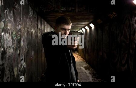 BEN DREW in HARRY BROWN (2009). Copyright: Editorial use only. No merchandising or book covers. This is a publicly distributed handout. Access rights only, no license of copyright provided. Only to be reproduced in conjunction with promotion of this film. Credit: MARV FILMS/UK FILMS COUNCIL / Album - Stock Photo