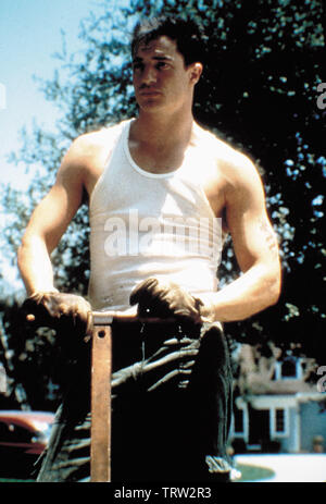 BRENDAN FRASER in GODS AND MONSTERS (1998). Copyright: Editorial use only. No merchandising or book covers. This is a publicly distributed handout. Access rights only, no license of copyright provided. Only to be reproduced in conjunction with promotion of this film. - Stock Photo