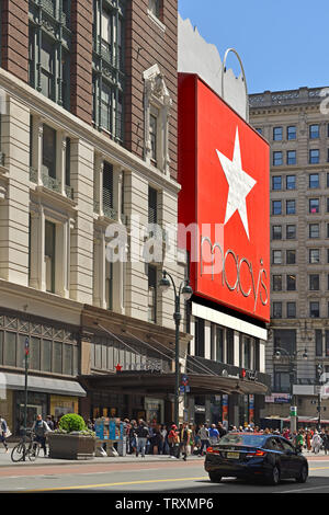 Macy's Herald Square (originally named R. H. Macy and Company Store), flagship of Macy's department store chain - Stock Photo