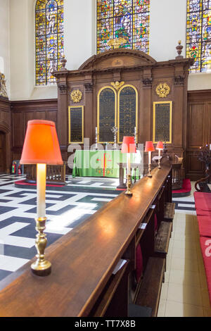 The reredos in St Vedast alias Foster a Wren  Baroque church on Foster Lane, City of London, EC2, UK - Stock Photo