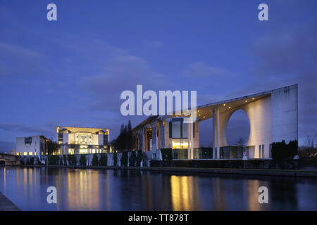 German Chancellery (Bundeskanzleramt) on the banks of the River Spree, Berlin, Germany. - Stock Photo