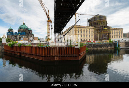 Berlin, Germany. 16th June, 2019. View of new Humboldt Forum super museum under construction at Museumsinsel in Berlin. The reconstructed Stadtschloss will house the new museum. The project is estimated to cost Û600m and it has been announced that will not open this year as forecast. It will now open sometime in 2020. Credit: Iain Masterton/Alamy Live News - Stock Photo