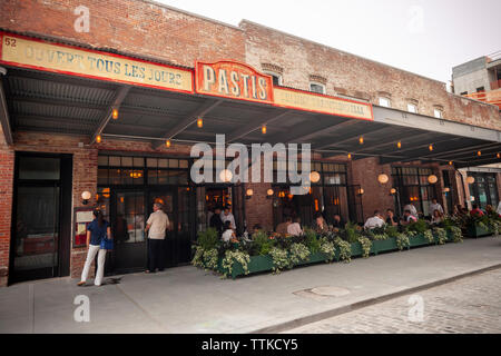 Diners in the new Pastis restaurant in the Meatpacking District in New York on Friday, June 7, 2019 on its opening. Opened in 1999 and closed in 2014 the original has taken on a legendary status, attracting celebrity and regular patrons. (© Richard B. Levine) - Stock Photo