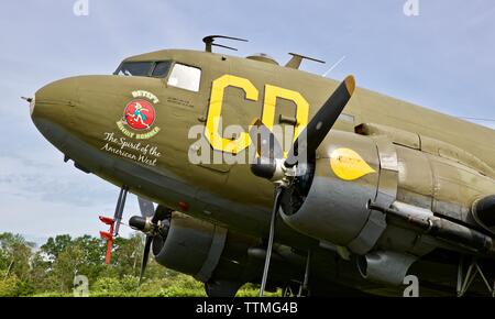 """1944 Douglas C-47 Skytrain """"Betsy's Biscuit Bomber"""" at Shuttleworth to Commemorate the 75th anniversary of D-Day - Stock Photo"""