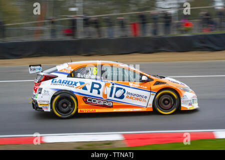 Honda Civic Type R on track, British Touring Car Championship (BTCC), Brands Hatch, first race weekend of the season, April 2019 - Stock Photo