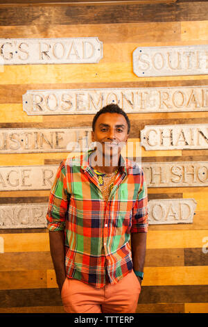 BBERMUDA, Hamilton. Chef Marcus Samuelsson shopping at the shop Urban Cottage located on Front Road in downtown Hamilton. - Stock Photo