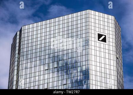 Skyline von Frankfurt am Main,  Hochhäuser der Deutschen Bank, Taunusanlage,  Bankenviertel, Innenstadt, - Stock Photo