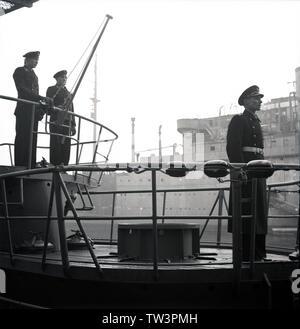 Wehrmacht Kriegsmarine U-Boot des Typs VII C Indienststellung U 244 1944 - War Navy of Nazi Germany Submarine Type VII C commissioning U244 1944 - Stock Photo