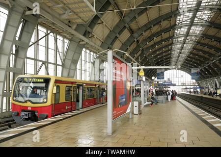 S-bahn train bound for Wannsee at the Alexanderplatz station, East Berlin, Germany. - Stock Photo