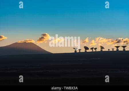 3D rendering of radio telescopes antennas in the high Andean plateau of the Atacama Desert