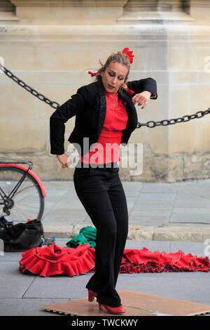 Spain; Andalusia; Seville; flamenco dancer, street scene, people, - Stock Photo