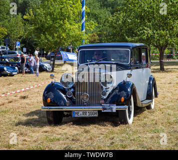 Rolls-Royce Silver Wraith, built 1950, on a meadow, Veldenz, Middle Mosel, Rhineland-Palatinate, Germany - Stock Photo