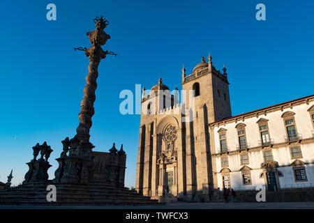 Porto Cathedral (Se do Porto) and part of the facade of Museu do Tesouro da Se do Porto on the right. Porto, Portugal - Stock Photo