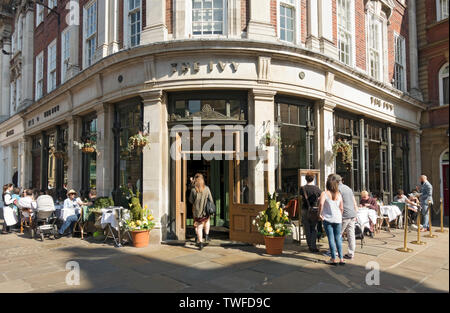 The Ivy restaurant at Easter St Helens Square. - Stock Photo