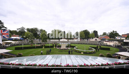 Ascot Racecourse, Berkshire, UK. 20th June, 2019. Royal Ascot Horse Racing; The Parade Ring Credit: Action Plus Sports/Alamy Live News - Stock Photo